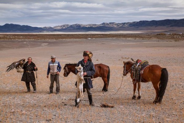 cacciatori-con-le-Aquile-della-Mongolia-04