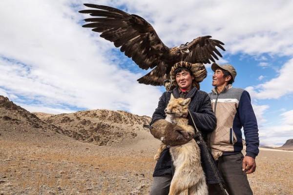 cacciatori-con-le-Aquile-della-Mongolia-10
