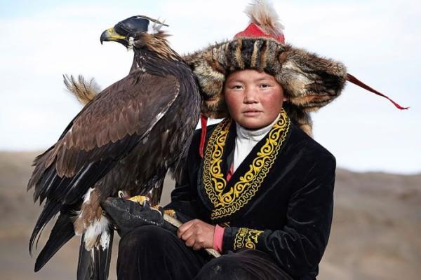 cacciatori-con-le-Aquile-della-Mongolia-11