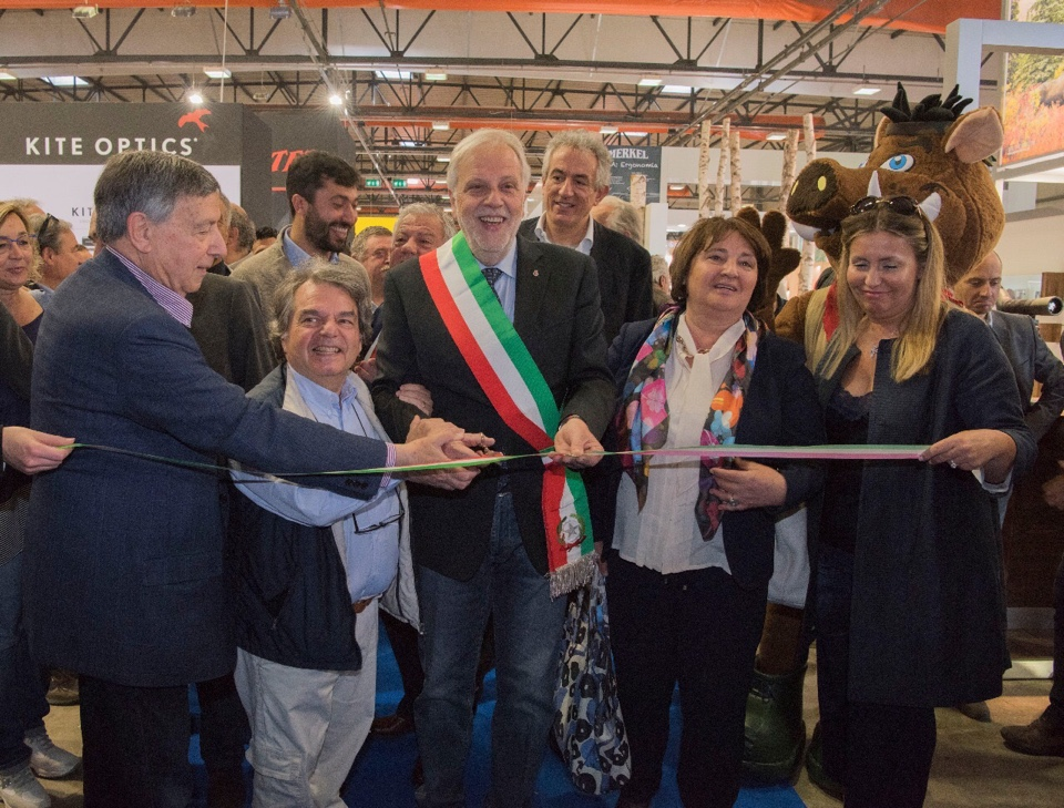 Intervista all'onorevole Renato Brunetta all'inaugurazione di Caccia Village (VIDEO)