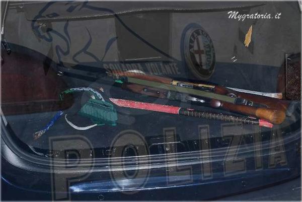 fucile-in-auto-polizia